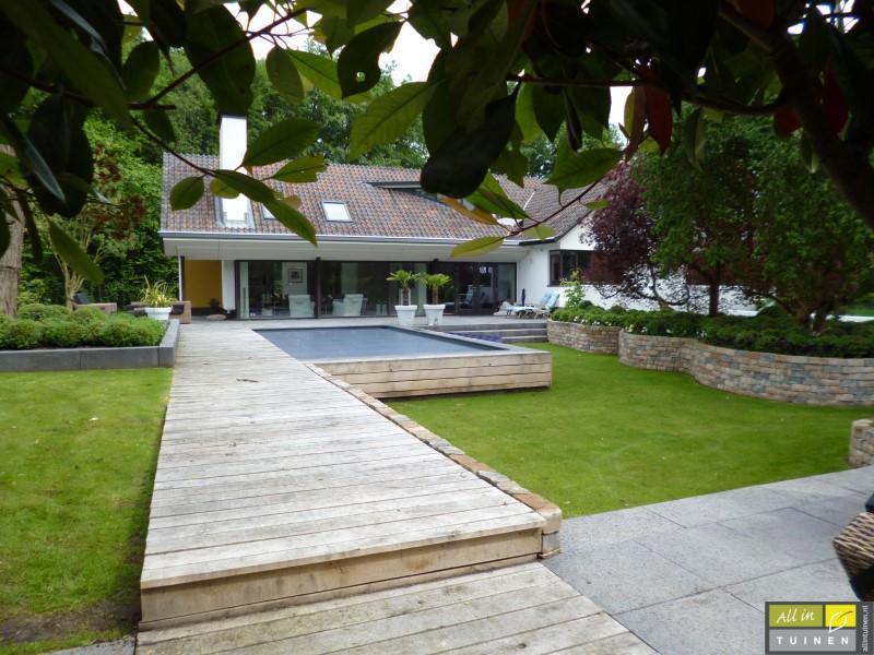 Jaren 70 tuin omgeturnd tot moderne strakke leeftuin for Voorbeeld tuinen kijken