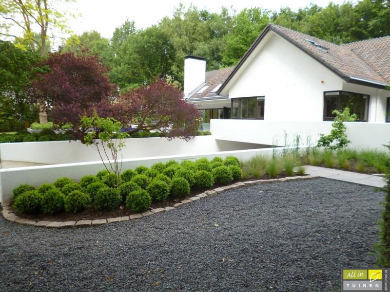 Jaren 70 tuin omgeturnd tot moderne strakke leeftuin met oog voor detail 003