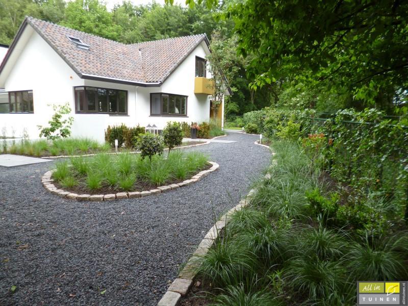 Jaren 70 tuin omgeturnd tot moderne strakke leeftuin met oog voor detail 004